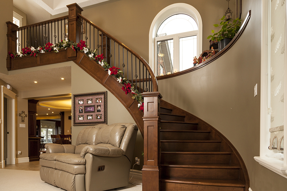 Custom Stairs and Railings Design at WoodLand Horizon