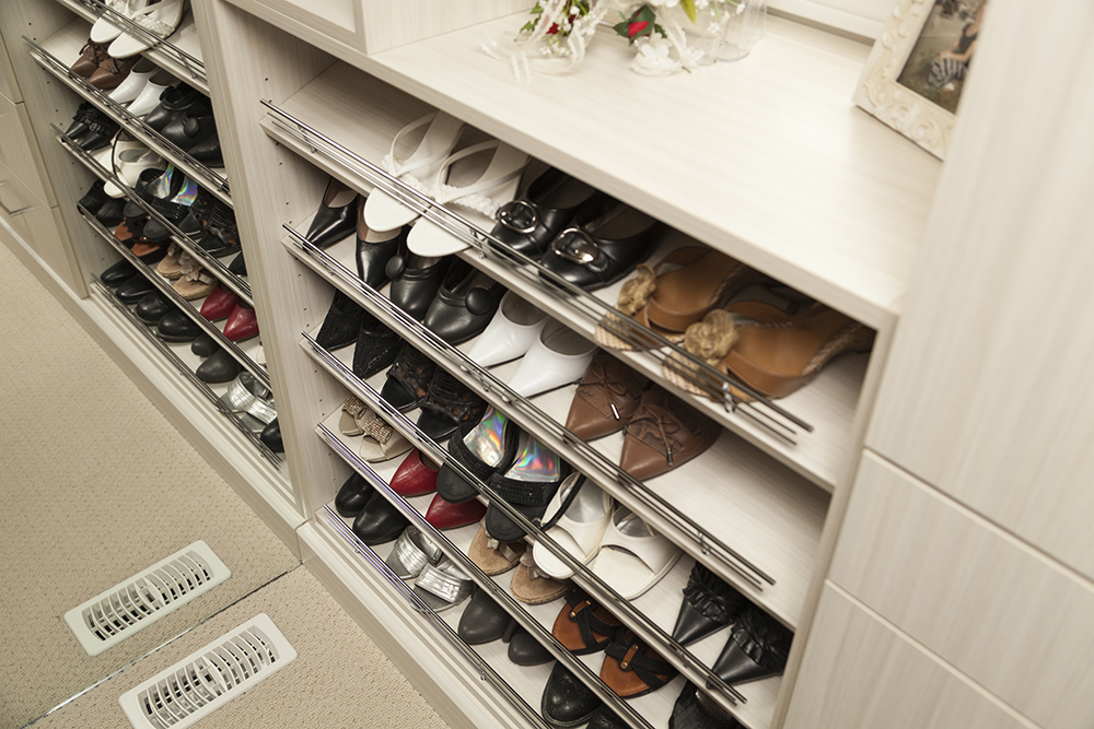 Built in Closet | Closet Organizers - WoodLand Horizon